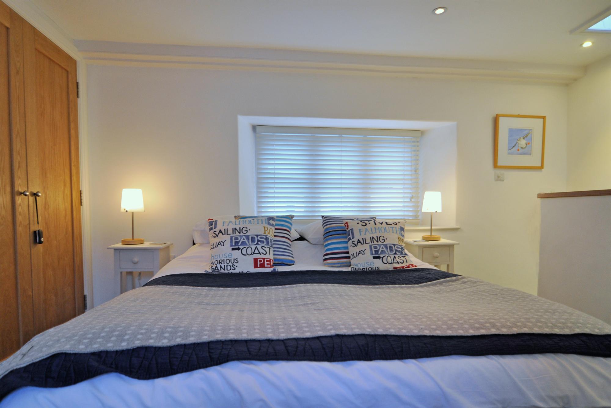 12_DSC9835-bedroom